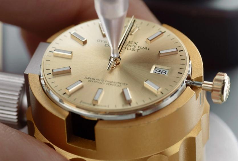 腕時計のオーバーホールをする頻度は?