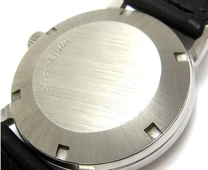腕時計の裏蓋の種類
